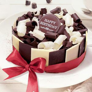 tuxedo chocolate baskin robbins cakes