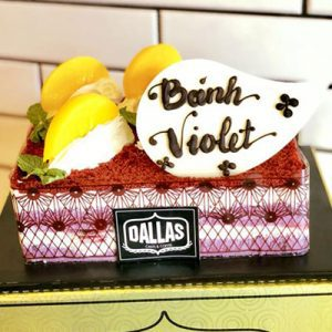 violet dallas cake