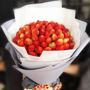 fresh strawberries bouquet
