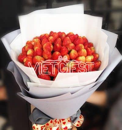 fresh strawberries bouquet