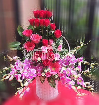 special anniversary flowers