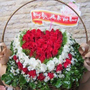 vietnamese-womens-day-roses-18