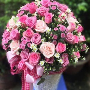 vietnamese-womens-day-roses-45