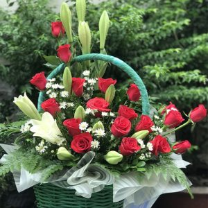 basket-christmas-roses-02